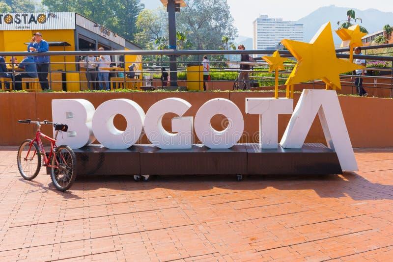 Bogota självständighet parkerar tecknet av namnet av staden fotografering för bildbyråer