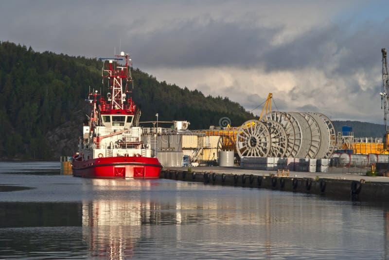 bogserbåt arkivfoto