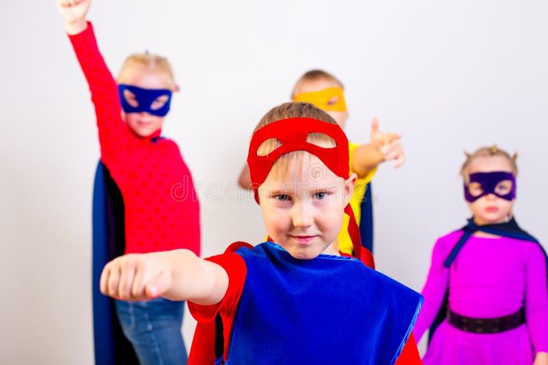 Bohaterów dzieciaków przyjaciele fotografia stock