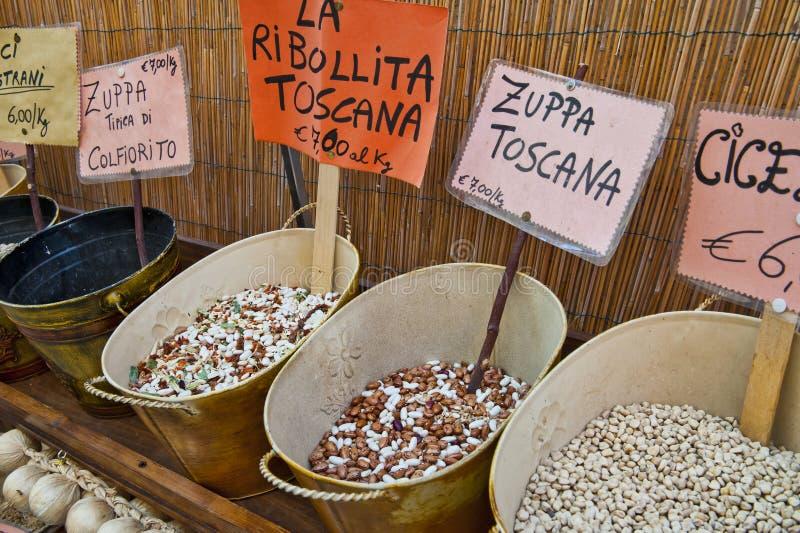 Bohnen für toskanische Mahlzeiten lizenzfreie stockbilder