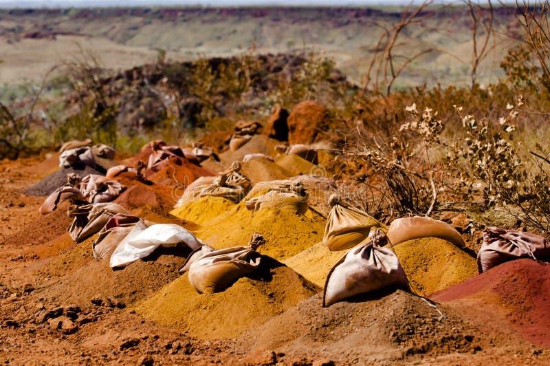 Bohrende Erforschungs-Probe sackt - Pilbara - Australien ein stockfotografie