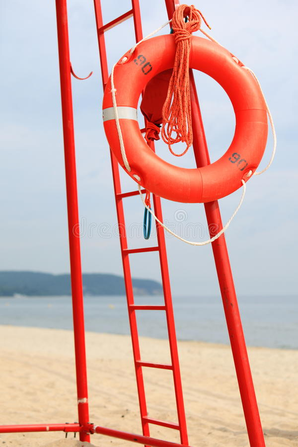 Boia salva-vidas da laranja da equipa de salvamento da praia da salva-vidas fotos de stock