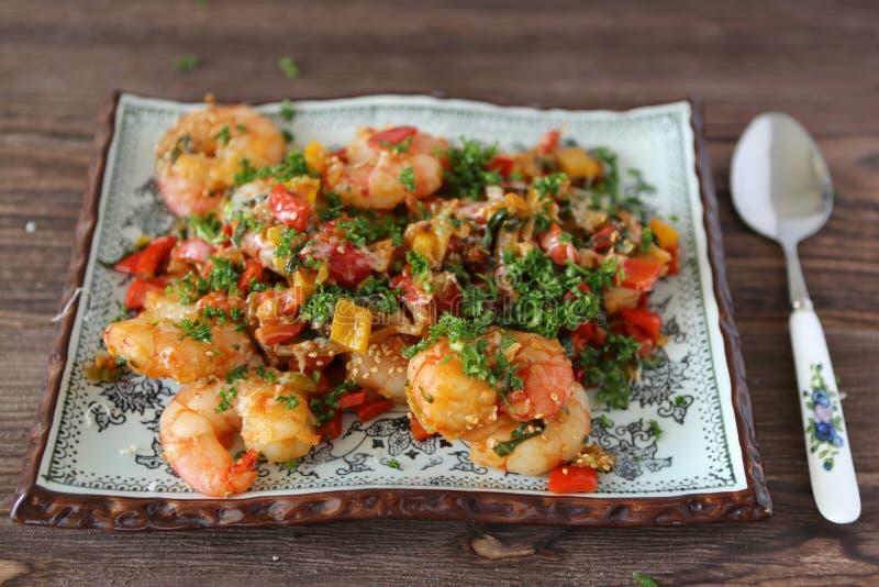 Boiled shrimps and vegetables