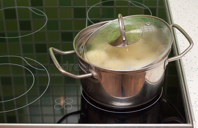 boilling κατσαρόλλα τροφίμων στοκ φωτογραφία με δικαίωμα ελεύθερης χρήσης
