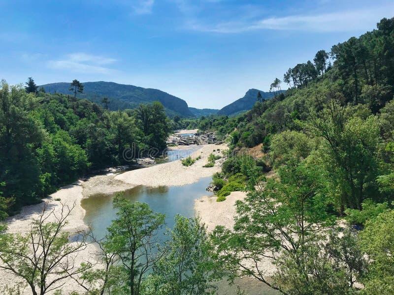 Bois de Förbannelse på Corbès i söder av Frankrike arkivbild