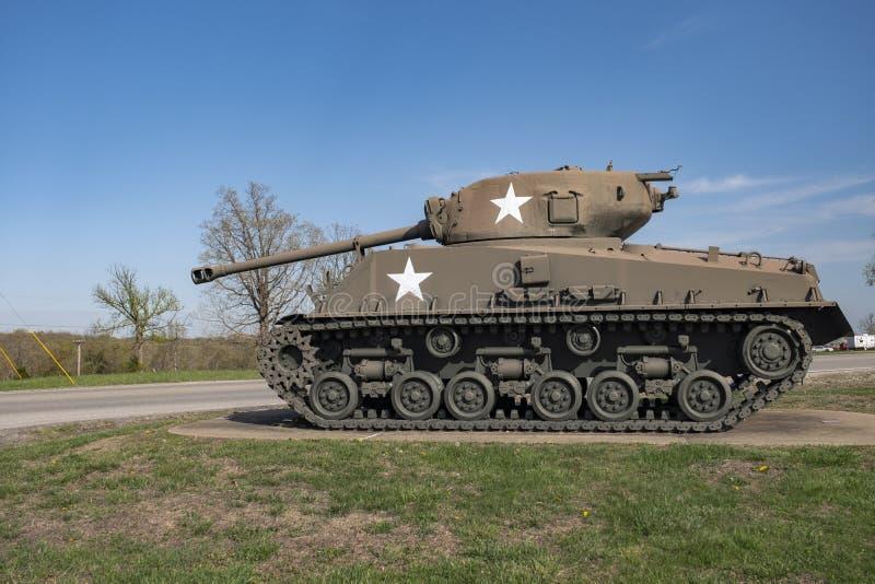 BOIS DE LÉONARD DE FORT, MOIS 29 AVRIL 2018 : Le Général Sherman Medium Tank M4A3E8 photo stock
