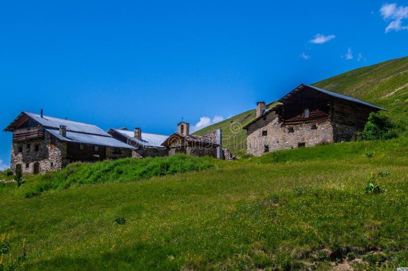 Bois noir ceillac queyras in Hautes-Alpes in Frankrijk royalty-vrije stock afbeeldingen