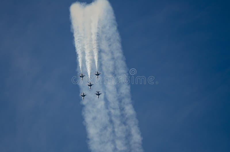 """Boise, Idaho, †di U.S.A. """"15 ottobre 2017 I Thunderbirds del U.S.A.F. che eseguono al Gowen tuonano il airshow il 15 ottobre, fotografia stock libera da diritti"""
