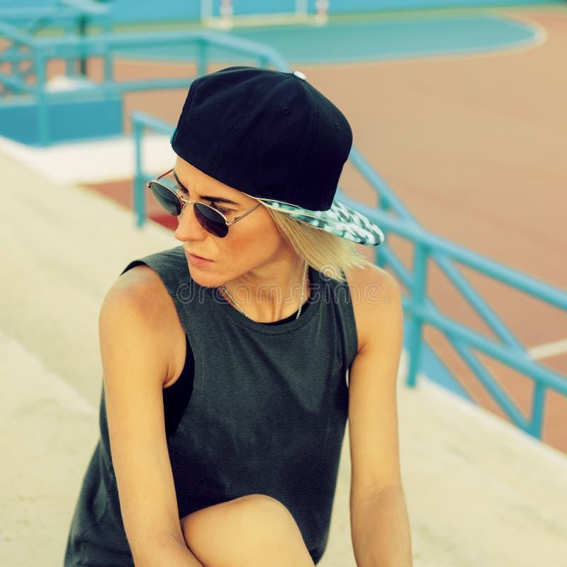 Boisko Piłkarskie, dziewczyna, miastowy styl zdjęcie royalty free