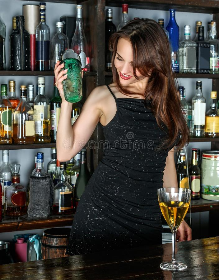 Boisson, boisson distillée, liqueur, barre