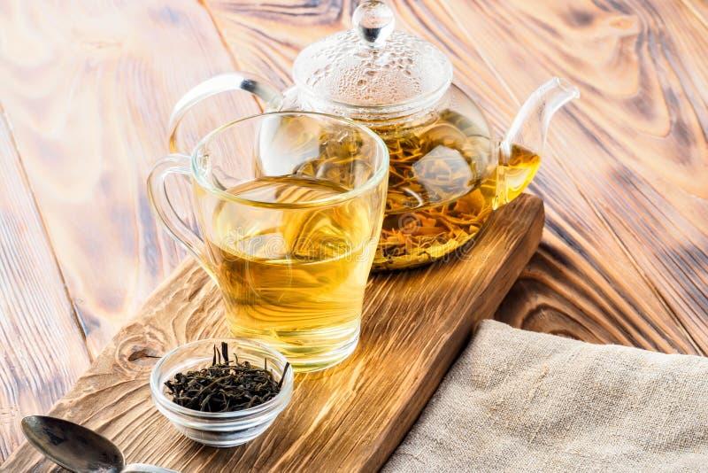 Boissons de thé vert de chinois traditionnel images stock