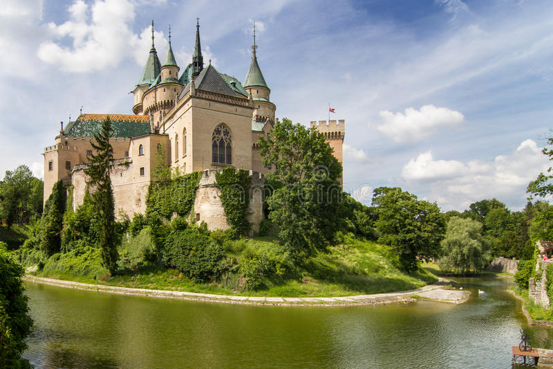 Bojnice slott royaltyfri bild