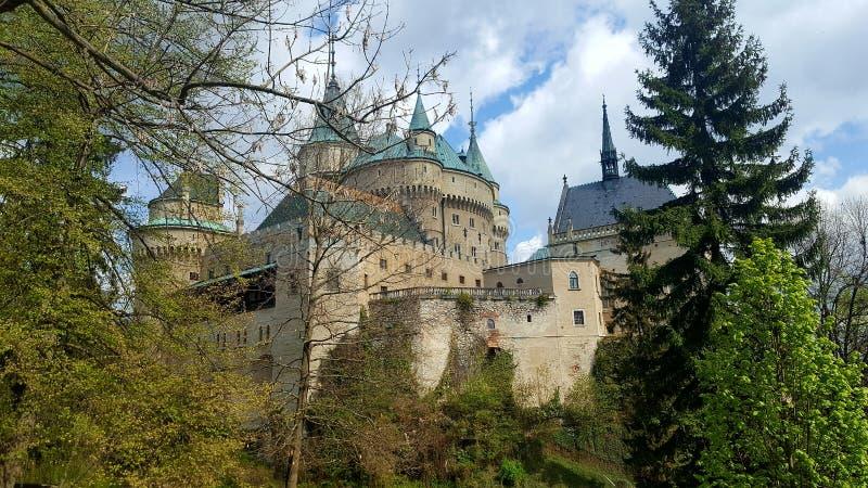 Bojnice slott i mitt av Slovakien royaltyfria bilder
