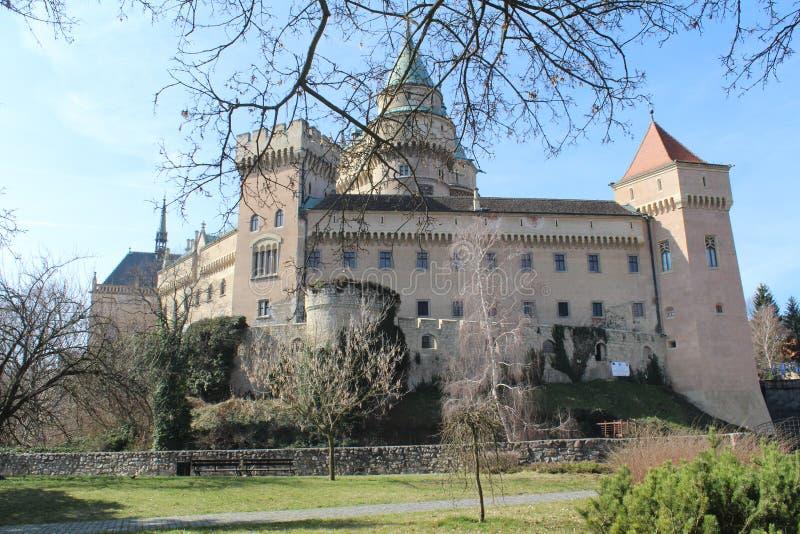 Bojnice slott i Slovakien royaltyfri fotografi