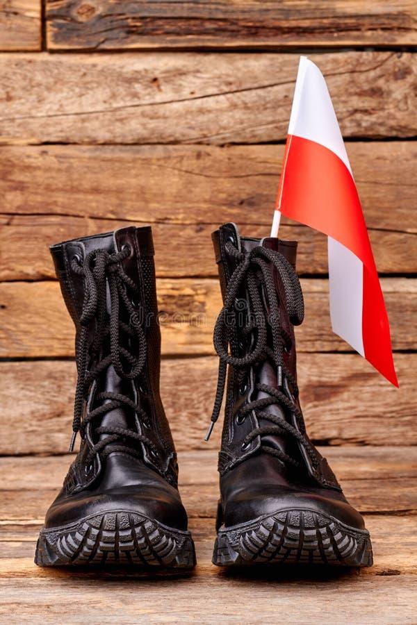 Bojowi buty z flaga Poland obrazy royalty free