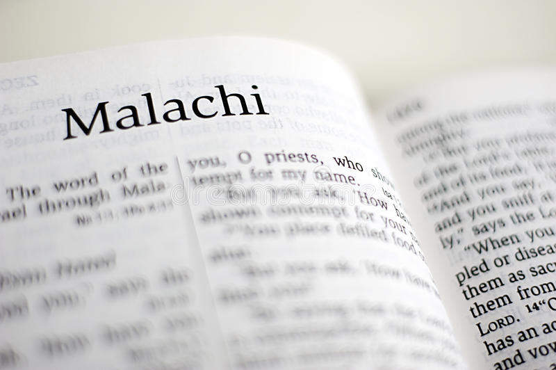 Bok av Malachi royaltyfria foton