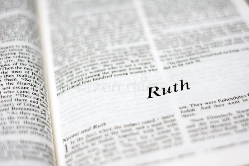 Bok av Ruth fotografering för bildbyråer