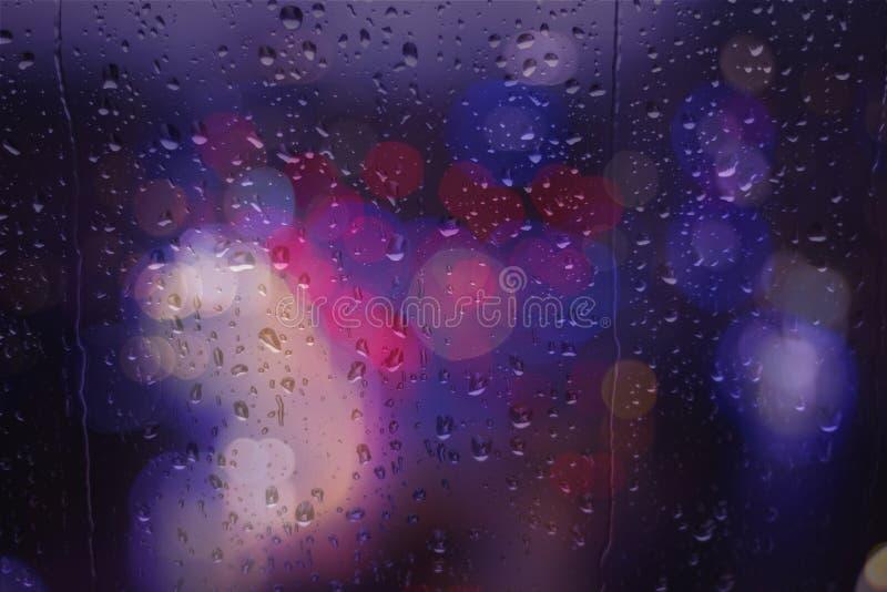 Bokeh świateł ruchu uliczny deszczowy dzień obrazy royalty free