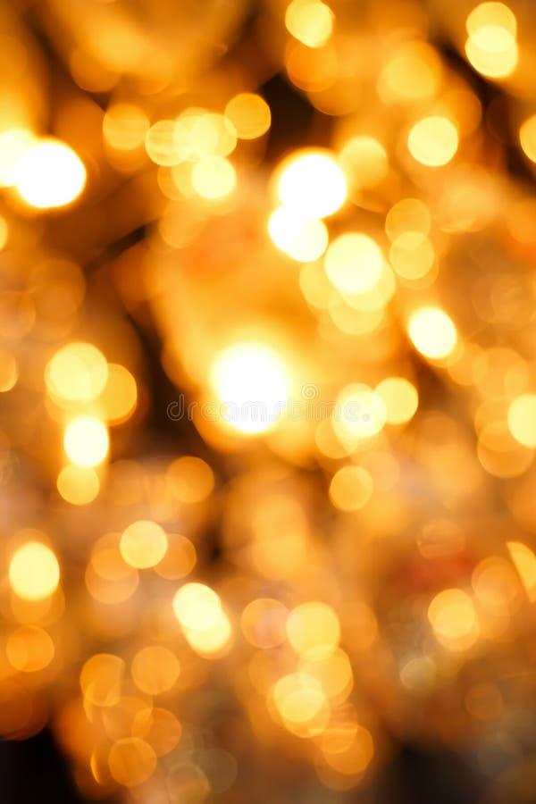 Bokeh obscuro colorido & bonito do c?rculo, fora do fundo do foco no conceito e no tema do Natal fotos de stock royalty free