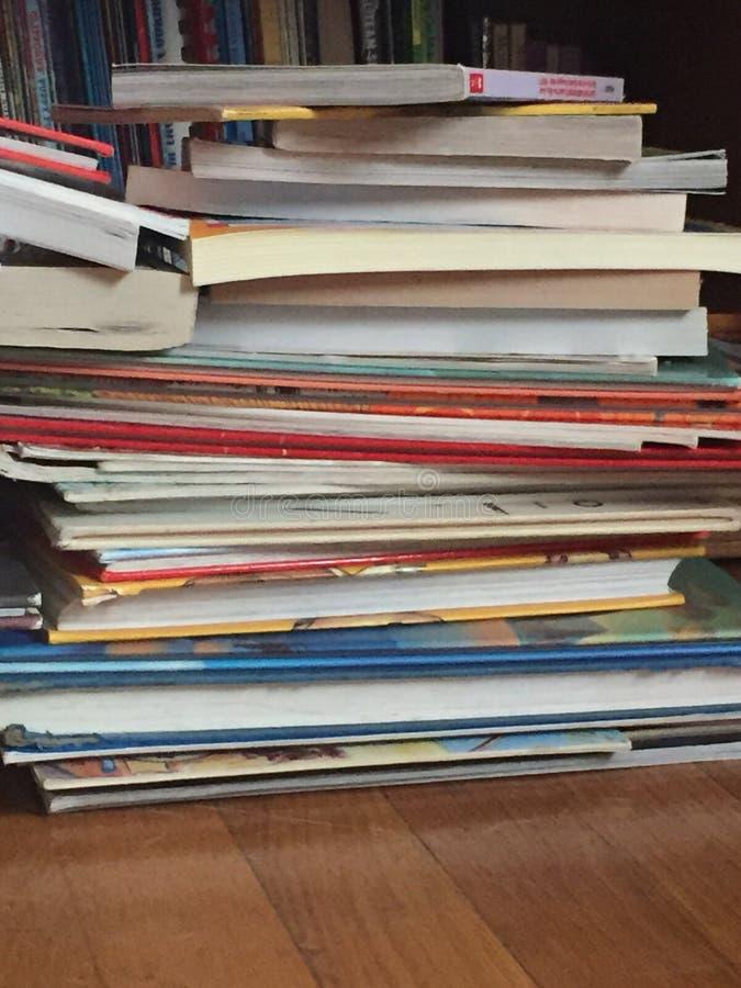 Boken, böcker och mer bokar fotografering för bildbyråer
