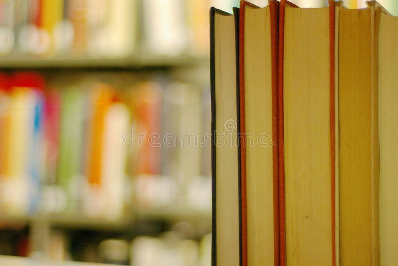 bokhylla royaltyfria bilder