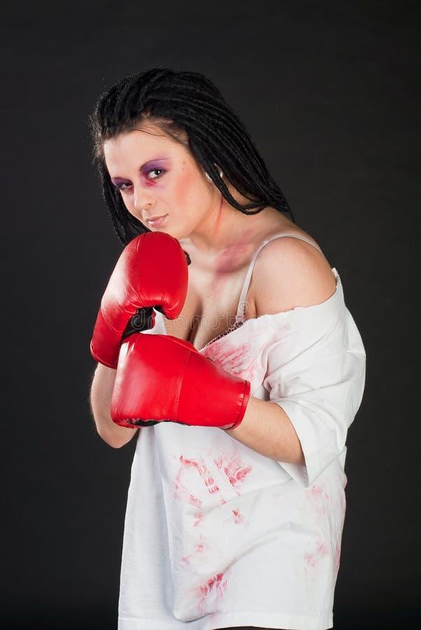 Download Bokser dziewczyna zdjęcie stock. Obraz złożonej z etnocentryzm - 13327456