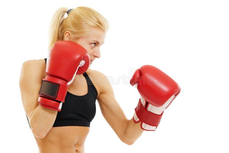Bokser kobieta z czerwonymi bokserskimi rękawiczkami zdjęcie stock