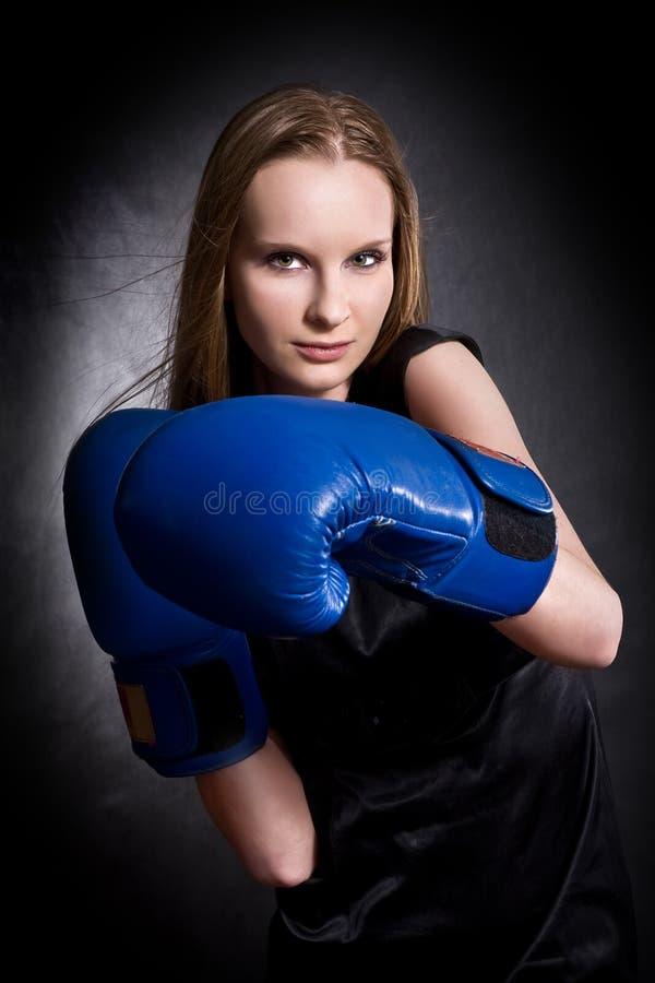 bokserskie mody dziewczyny rękawiczki zdjęcia royalty free