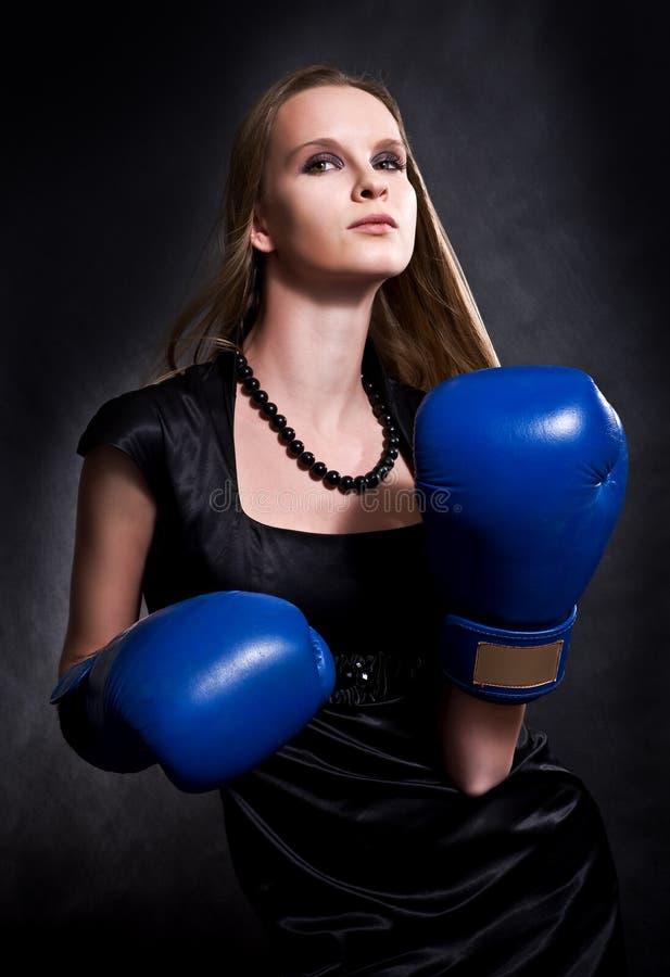 bokserskie mody dziewczyny rękawiczki zdjęcie stock