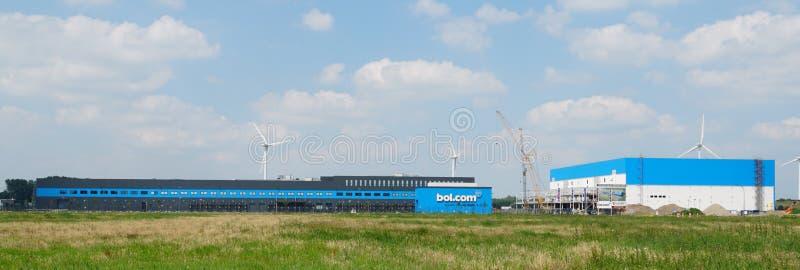 Bol com-fördelningsmitt i Waalwijk arkivbilder