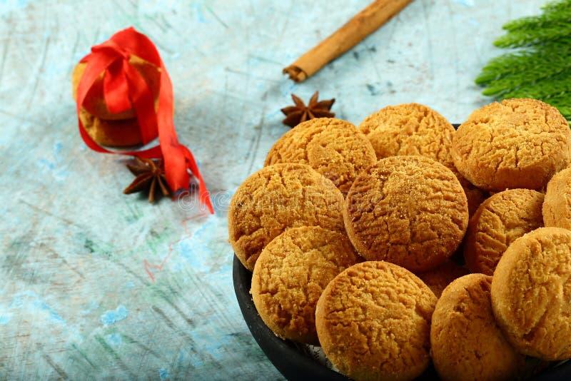 Bol de biscuits faits maison savoureux de régime de vegan images libres de droits