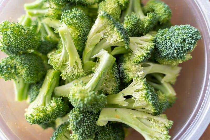 Bol de brocoli frais pour la consommation saine images libres de droits