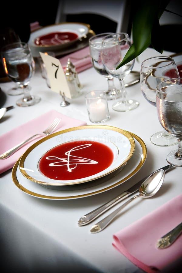 Bol de potage à un événement de mariage image libre de droits