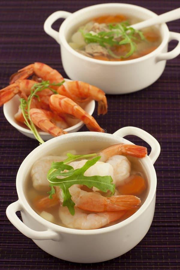 Bol de soupe fraîche à fruits de mer photo stock