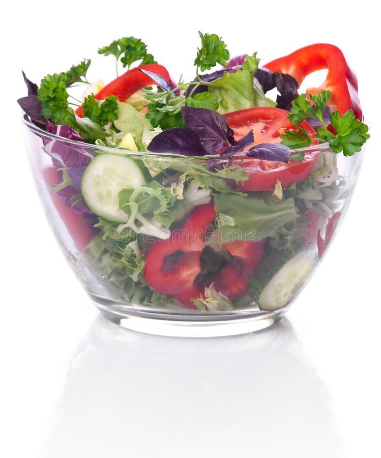 Bol de vidrio con las verduras para una ensalada imagen de - Bol de vidrio ...