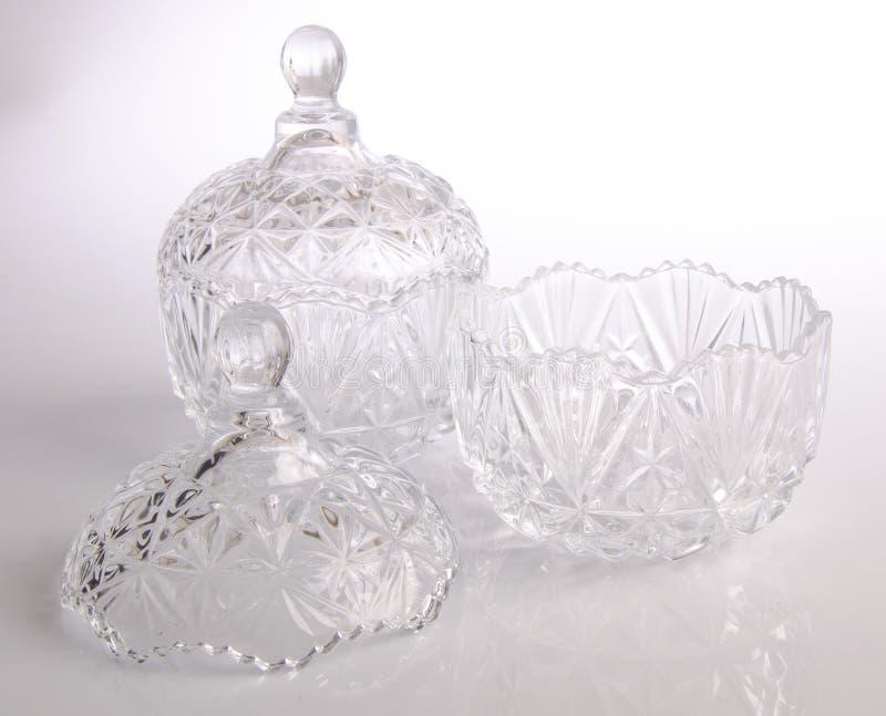 bol en verre en cristal sur le fond blanc photo stock