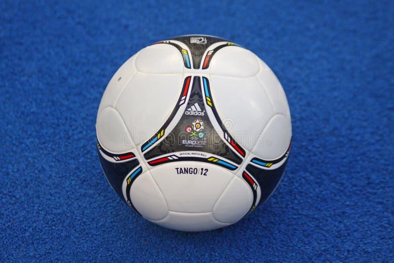 Bola 2012 del EURO de la UEFA del funcionario del primer imágenes de archivo libres de regalías