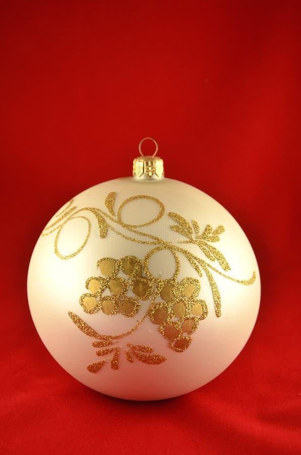 Bola adornada de la Navidad foto de archivo libre de regalías