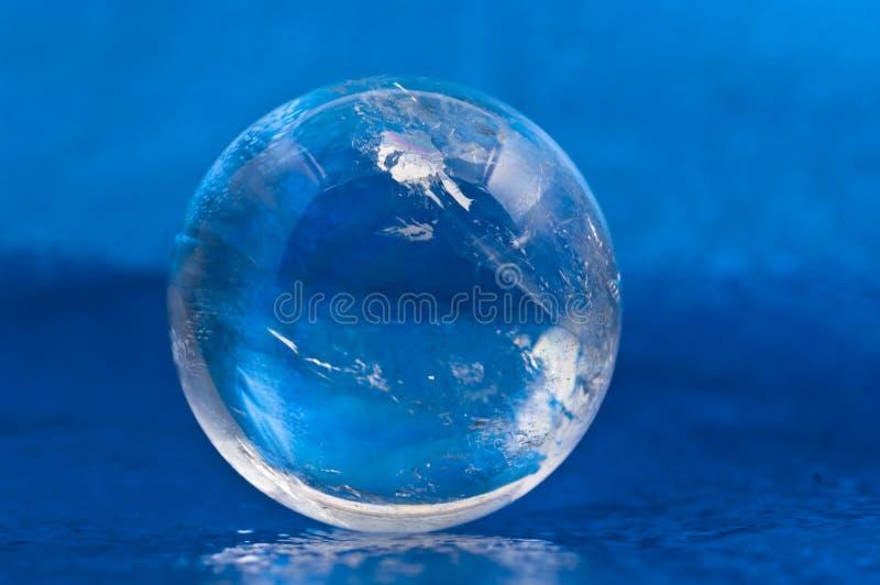 Bola cristalina foto de archivo libre de regalías