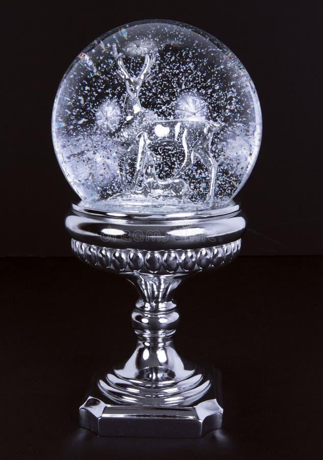 Bola cristalina de la nieve imagenes de archivo