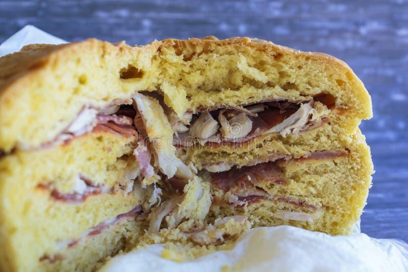Bola de卡尔内:面包充满肉的各种各样的类型 库存图片