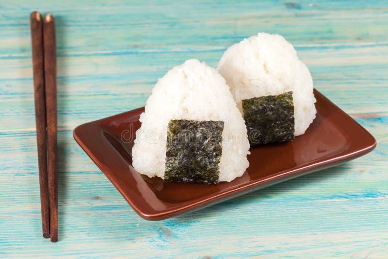 Bola de arroz, onigiri, mistura do arroz imagem de stock royalty free