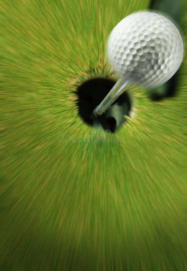 Download Bola de golfe no verde imagem de stock. Imagem de fósforo - 26524261