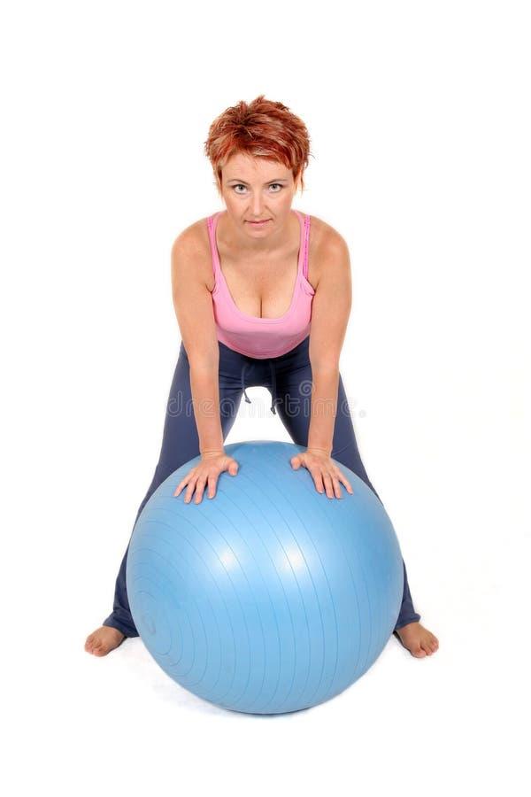 Bola de la gimnasia imagenes de archivo