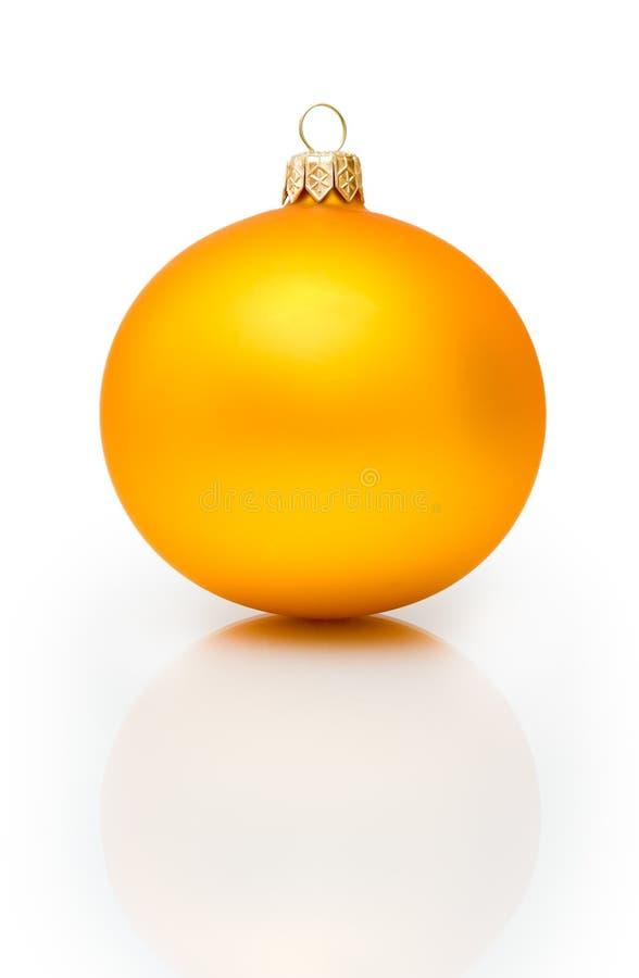 Bola de la Navidad del oro fotografía de archivo