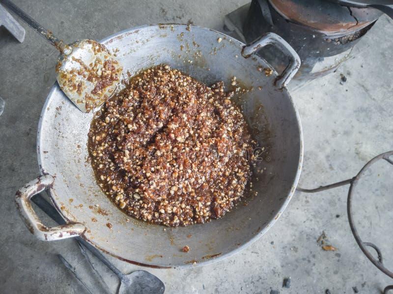 Bola de masa hervida cocida al vapor de la tapioca con el cerdo, llamada tailandesa Sa Ku Sai Moo fotografía de archivo libre de regalías