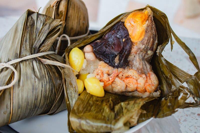 Bola de masa hervida del arroz, zongzi, festival del duanwu fotos de archivo