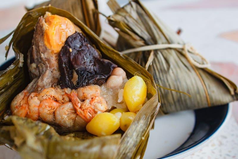 Bola de masa hervida del arroz, zongzi, festival del duanwu imagenes de archivo