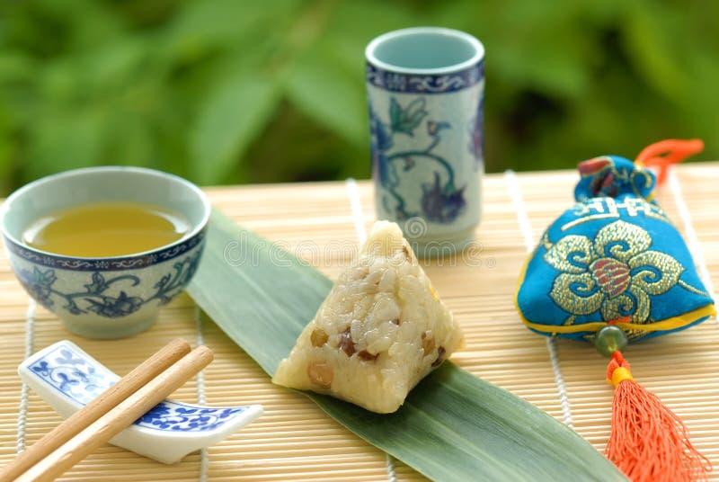 Bola de masa hervida pegajosa china del arroz imagen de archivo