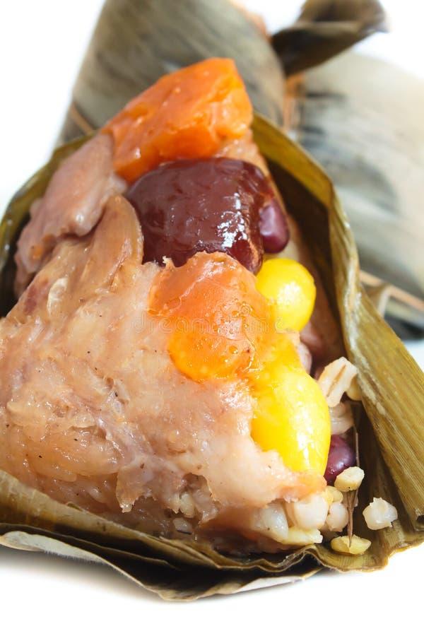 Bola de masa hervida, zongzi o bakcang del arroz. imagen de archivo